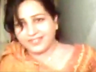 Punjabi women giving blowjob - XVIDEOS.COM
